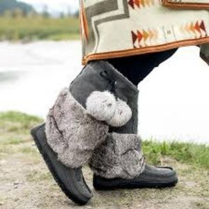 Manitobah Mukluks SNOWY OWL BOOTS